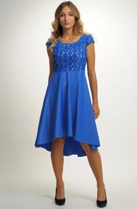 Elegantní společenské šaty s plastickým vzorem na živůtku