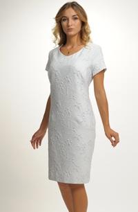 Šaty na svatbu pro matku ženicha