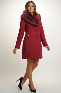Dámský módní kabát s kožešinovým límcem