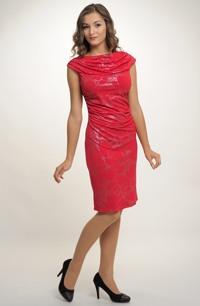 Společenské šaty na párty i pro družičky na svatbu
