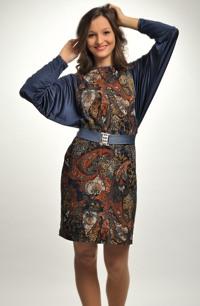 Barevné společenské šaty s netopýřími rukávy