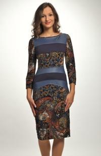 Vzorované šaty vhodné i na svatbu