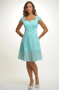 Dívčí šaty do tanečních s madeirou
