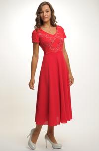 Červené společenské šaty do elastického sedýlka z krajky. Vel. 42