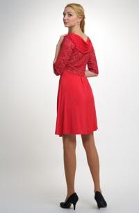 Červené elegantní dámské koktejlové šaty z elastické pleteniny