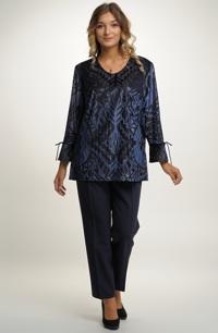 Elegantní dámský kalhotový komplet pro větší velikosti