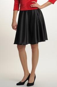 Módní černá sukně