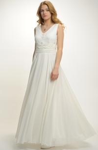 Luxusní svatební šaty se sedlem zdobeným krajkou 2ab4b8c7e1