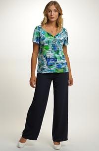 Letní kalhotový komplet se vzorem na tunice