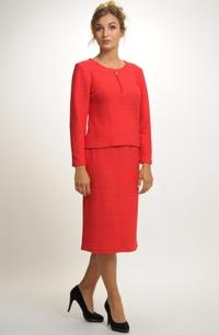Elegantní dámský pletený kostým