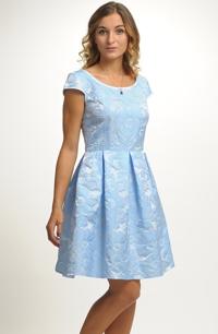 Společenské šaty pro družičky na svatbu a8d7660428