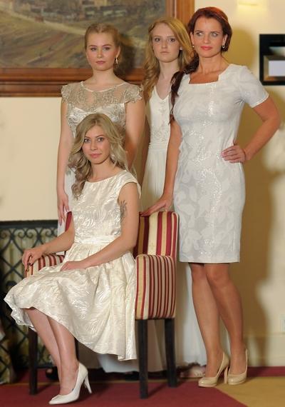 Krásné levandulové odstíny jsou letos velmi IN nejen na šatech 9d20ce75c1