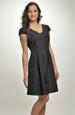 Krátké černé šaty vhodné do tanečních