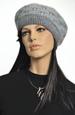 Pletený baret se vzorem