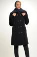Krátký dámský kabát s dvouřadovým zapínáním