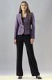 Elegantní kalhotový kostým s topem v módní fialové