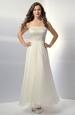 Svatební šaty na ramínka s krajkou