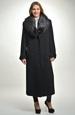 Dlouhý černý kabát s kožešinou