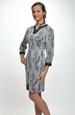Pletené šaty zdobené nášitou koženkou