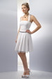 Krátké svatební šaty za krk s bohatou skládanou sukní