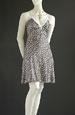 Letní šaty prádlového střihu s krajkou ve výstřihu