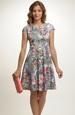 Společenské šaty s netradičním vzorem