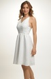 Krátké svatební šaty za krk s bohatou sukní