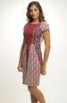 Úzké společenské šaty zdobené plastickým vzorem