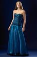 Korzetové šaty s bohatou nadýchanou kolovou sukní