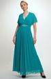 Luxusní model šatů na předním dilu s řasením