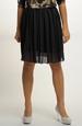 Módní sukně v černé barvě