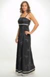Šaty v empírovém střihu s rozšířenou sukní a efektní výšivkou, velikosti 38 a 42
