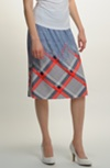 Elastická mírně rozšířená sukně se vzorem