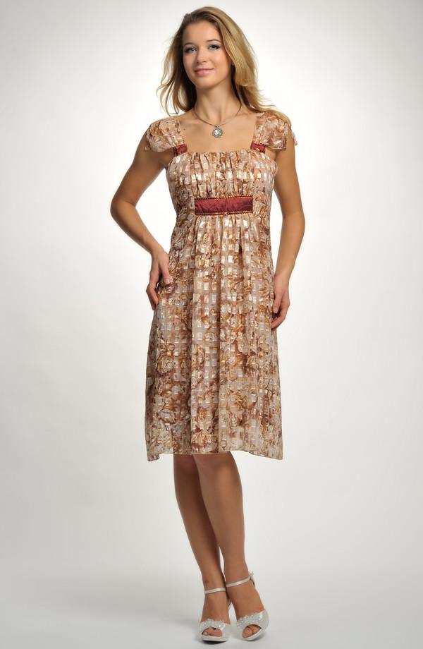 bf7d7b450719 Společenské šaty v délce ke kolenům s potiskem a s řasením