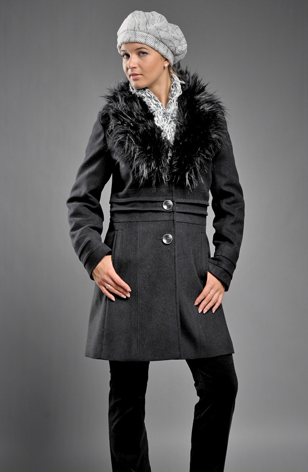 Krátký zimní kabát s kožešinou ... 402892e7567