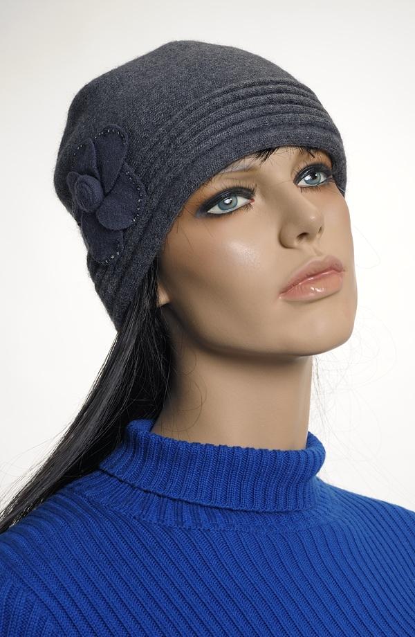 5f7bcb06a5f Dámský klobouk - čepice z angory ...