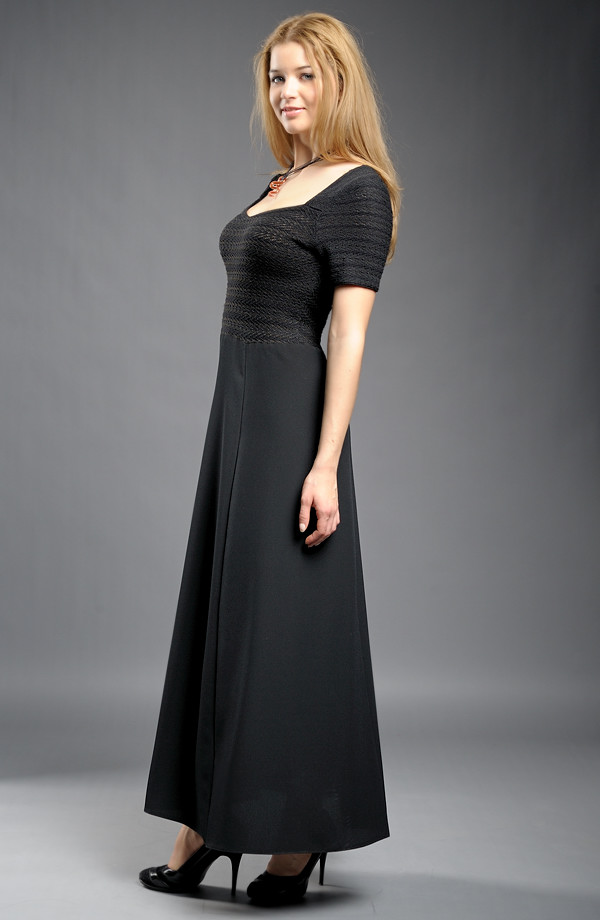 bcbacc4311 Dlouhé černé šaty