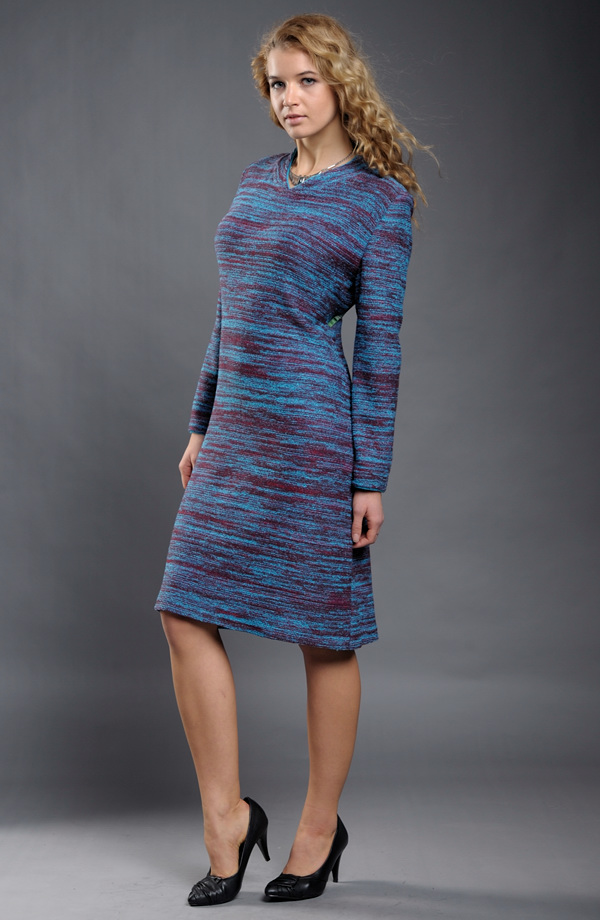 d074406c17a6 Dámské šaty v jednoduché úzké linii z melíru.