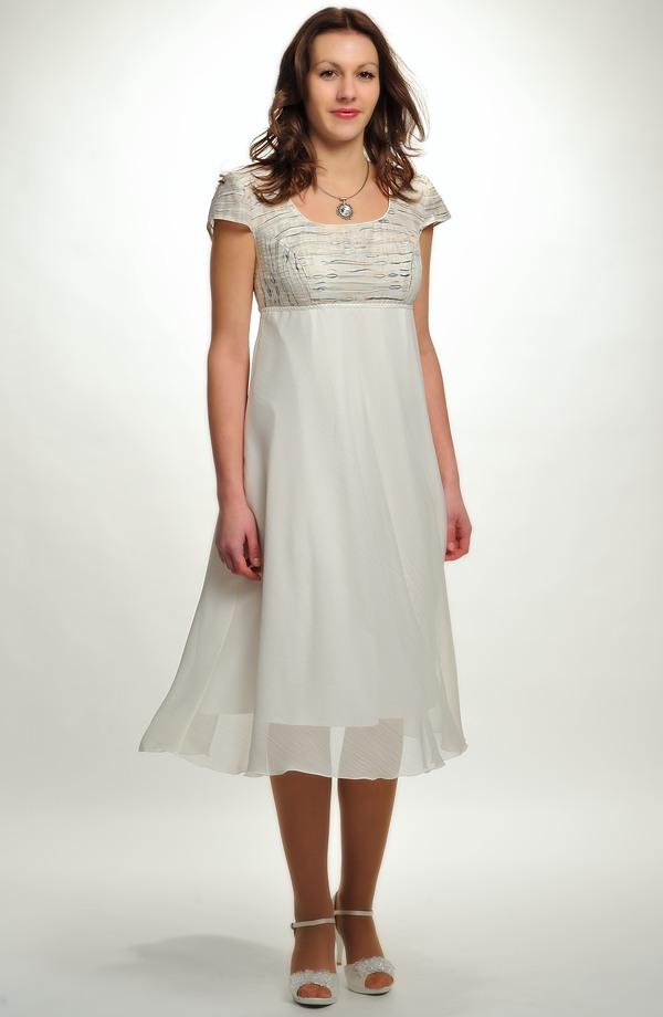 adb63894a2d Empírové svatební šaty vhodné i pro těhotné nevěsty.