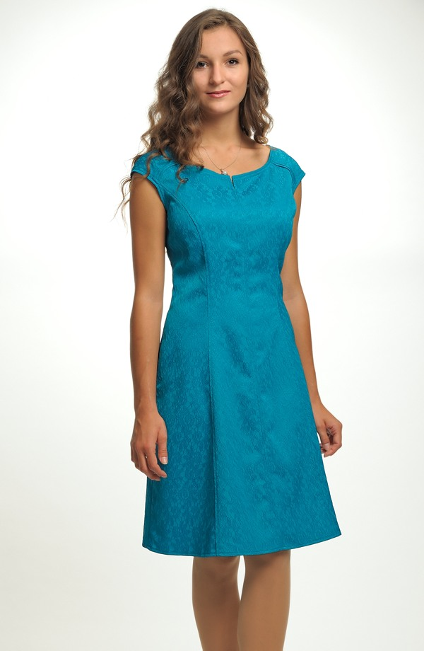 f979e45453d6 Společenské šaty na svatbu