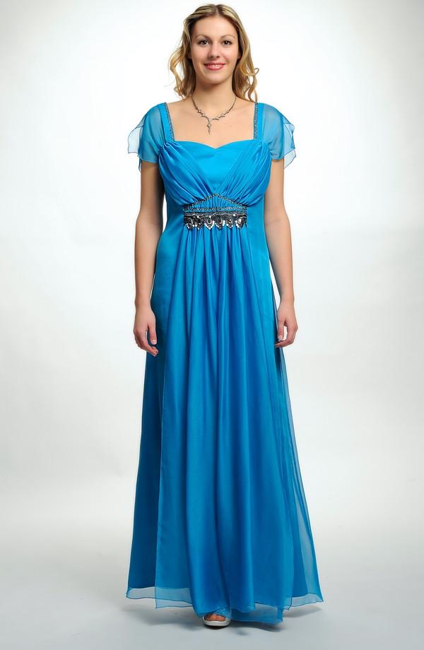 7f152e54eb7a 46 až Elegantní dlouhé společenské šaty pro plnoštíhlé jsou vhodné i pro  baculky