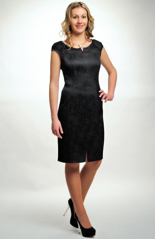 159bcb8978be ... 40 Dámské černé elegantní společenské šaty koktejlky v úzké tubové  siluetě. 36