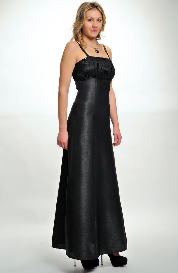 Levné společenské šaty s tylem a flitry e5196a5773