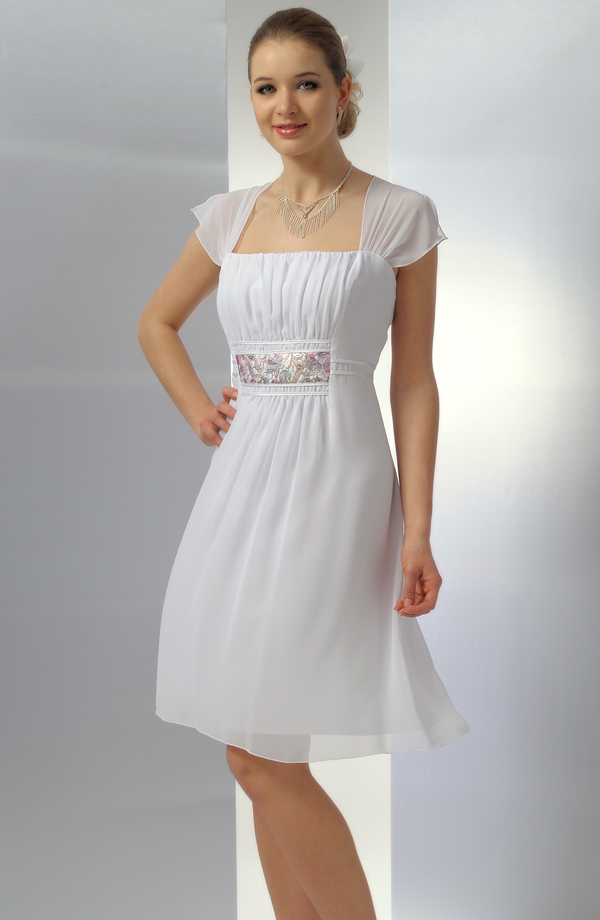 ... Bílé krátké svatební šaty vhodné i pro boubelky ve velikosti 50 e6660f51a7