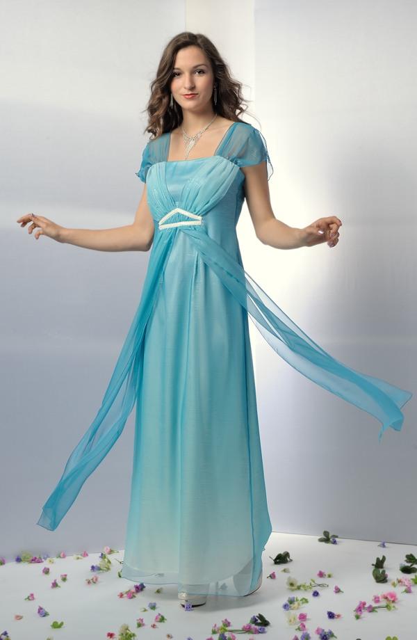 Dlouhé společenské šaty v antického střihu jako svatební antické šaty edd148f73c