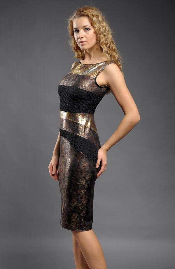 Elegantní koktejlové šaty se vzorem do ozdobných pruhů 1d1a540be7