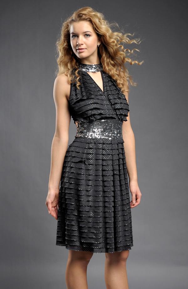825686fd473c Společenské retro šaty se stříbrnými puntíky Společenské retro šaty se stříbrnými  puntíky ...