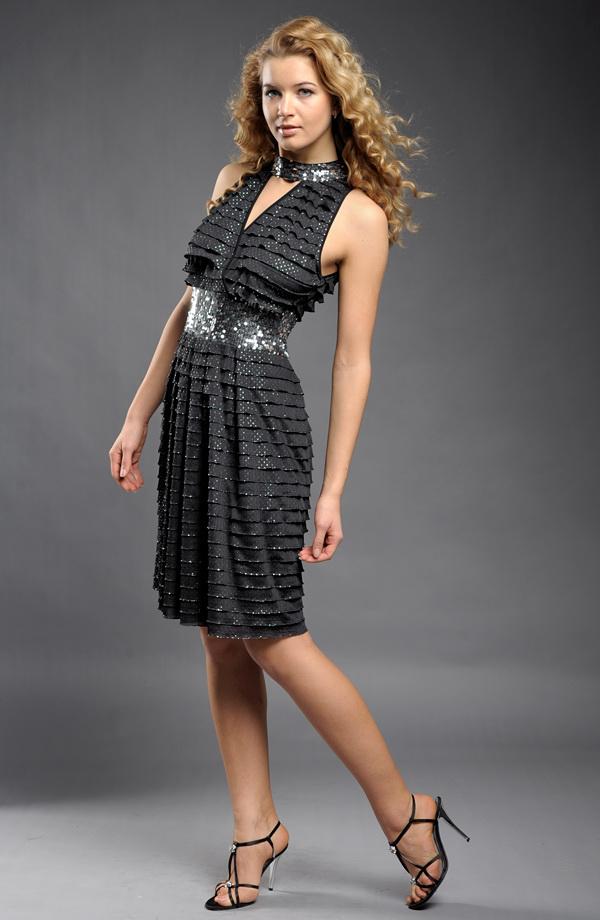 9fc69766e113 ... Společenské retro šaty se stříbrnými puntíky ...