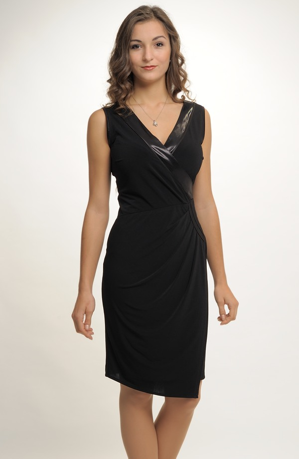 c3e0621cf04 Společenské černé zavinovací šaty i pro plnější postavy ...
