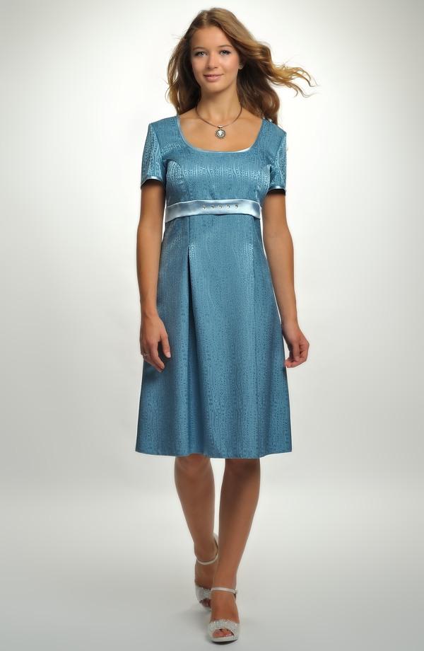Empírové společenské šaty s rukávky a zdobenou stuhou. 8012bfd722